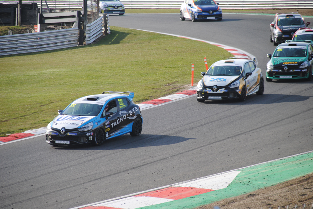 Great start to the 2018 Renault Clio Cup season for Paul Rivett