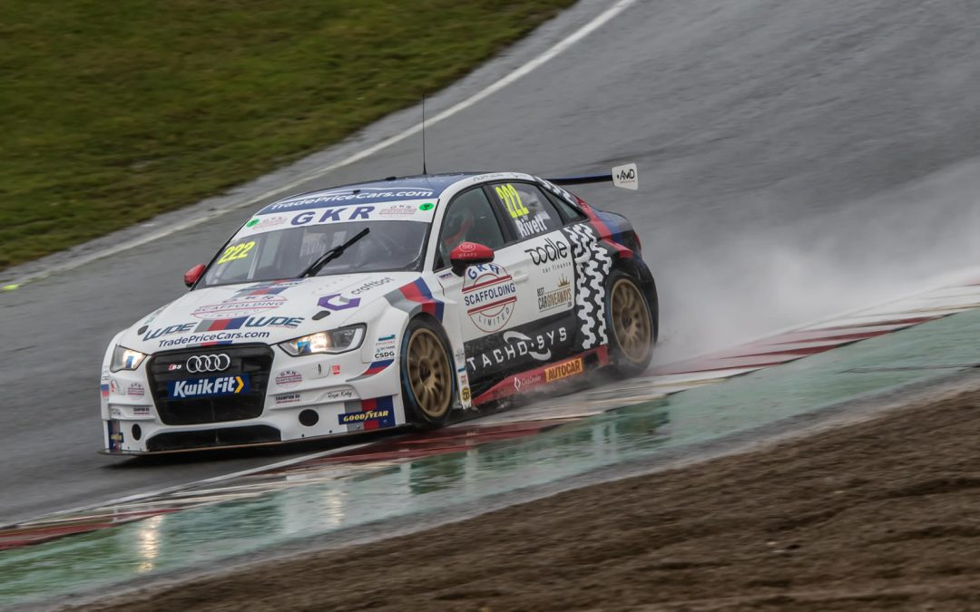 Stunning pace and points as Rivett stars in BTCC finale